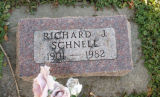 Gravestone of Richard J. Schnell