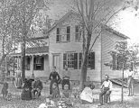 Glenview History Center picture of Melzer Family and home