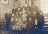 Photo of a school class picture of 1904
